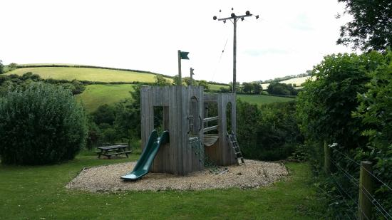 Birchill Farm Holiday Cottages : Outdoor play area