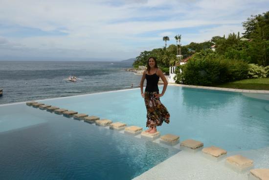Aiyanar Beach And Dive Resort Pool