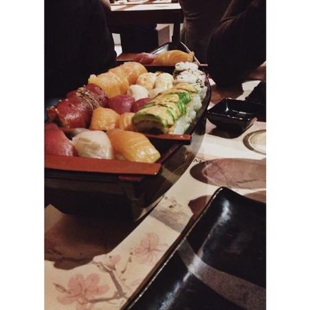 Daruma Sushi - Parlamento: Sushi boat