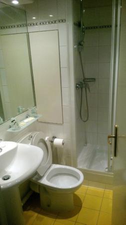 Hotel Lautrec Opera: Baño