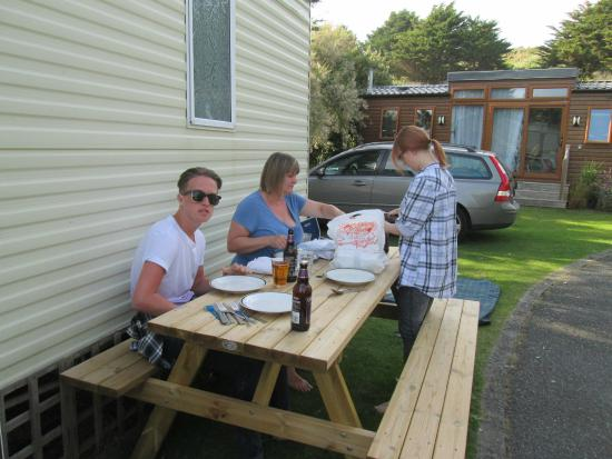 Green Chilli: We took our excellent takeawat back to the caravan in Mawgan Porth and it was still piping hot!