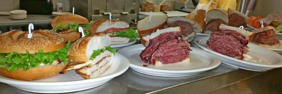 The famous Kosher Nosh: Going out to the tabels