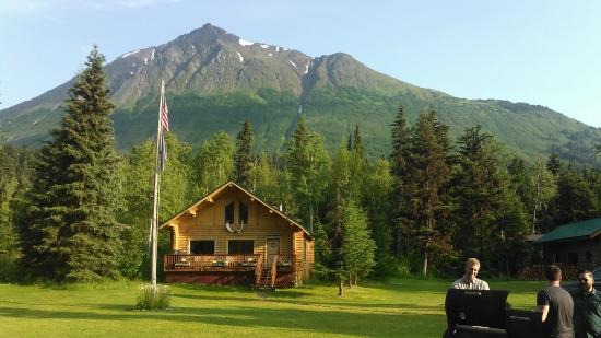 Alaska Heavenly Lodge: Mt. Cecille Cabin With Mt. Cecille In Background