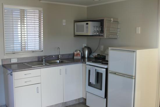 New Plymouth, Nueva Zelanda: Full kitchen facilities in Two bedroom unit