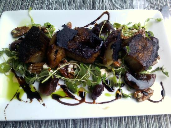 C ST. BISTRO: Lick-the-plate pork belly