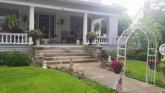 Woodsfield, OH: Front porch