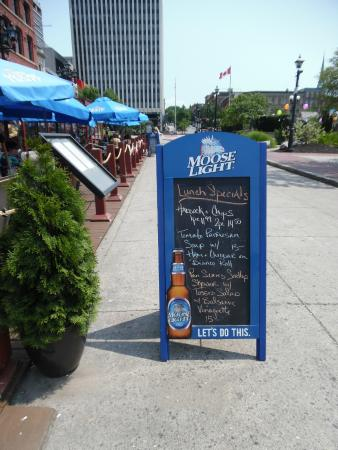 Grannan's Seafood Restaurant: Daily Special Board