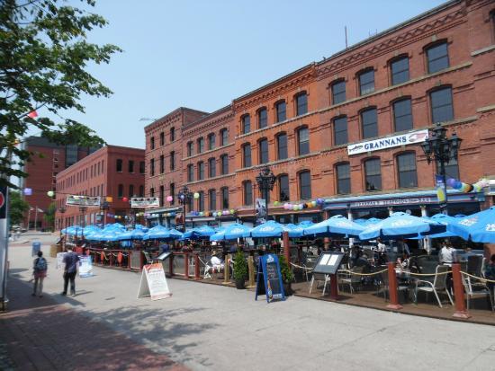 Grannan's Seafood Restaurant: Boardwalk Front Sea of Blue Umbrellas