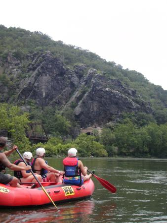 Harpers Ferry Adventure Center : white water rafting near Harper's Ferry