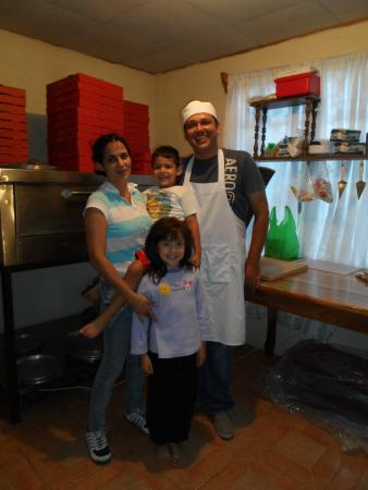 San Luis, Kosta Rika: It's a Family Pizzaria