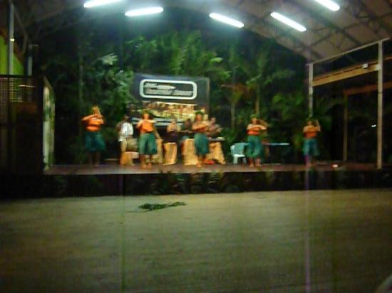 Samoa Tradition Resort: Fiafia Dance group