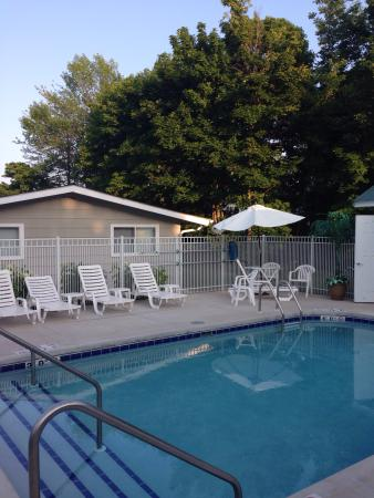 Fish Creek Motel & Cottages: Perfect vacation in Fish Creek