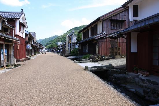 Okuramichi Road