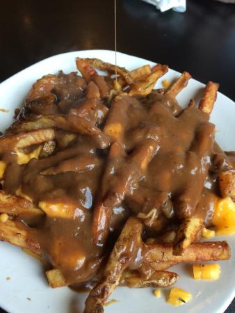 The Governor's Pub: Poutine, shepherds pie & the BELT