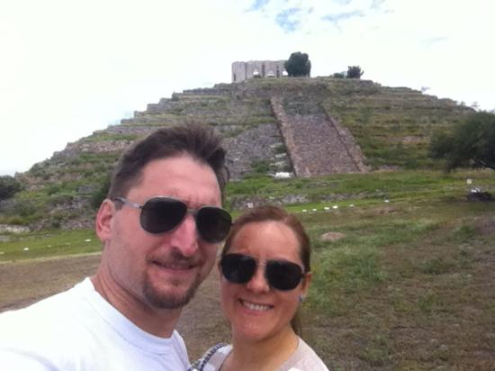 with el cerrito y mi esposa