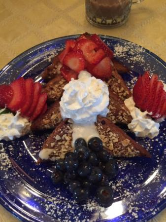 The Victoria Skylar Bed and Breakfast : French Toast special
