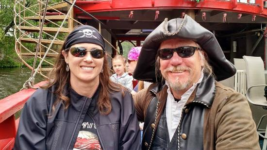 Pirates Hideaway : My lovely bride and Captain Steve