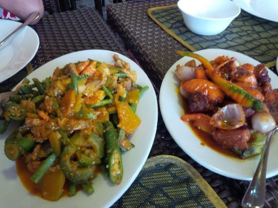 Mamita'sGrill Boracay: Pinakbet and Binagoongan Liempo