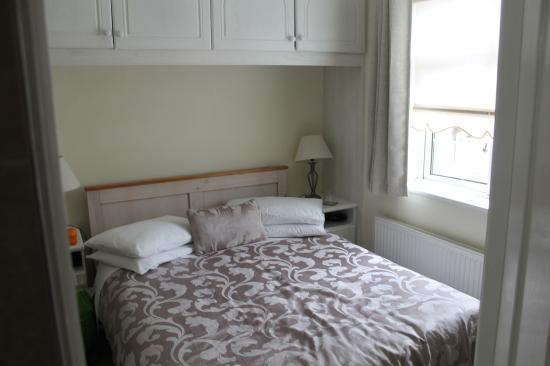 Lorcan Lodge: Bedroom