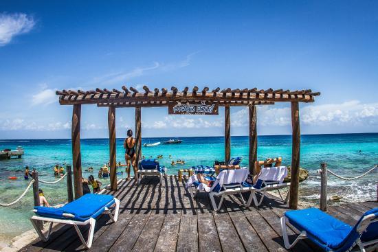 Playa Azul : Sunbathing Area
