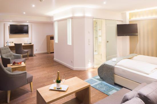 marburger hof marburg duitsland foto 39 s reviews en. Black Bedroom Furniture Sets. Home Design Ideas