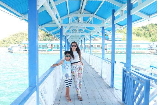 My Poging Inaanak With Her Pretty Mom Resort As The Background Picture Of Coron Underwater