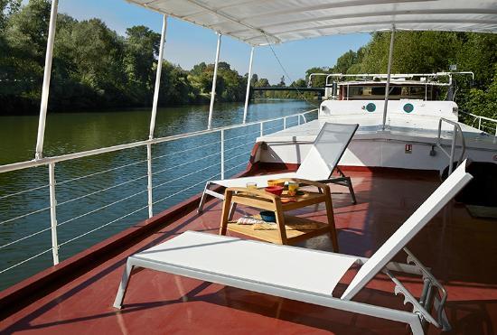 Pont terrasse foto van bateau daphn auvers sur oise tripadvisor - Terrasse pont de bateau ...