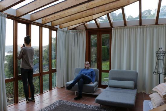 Yellow House Bed & Breakfast: Ein Teil des großen Zimmers