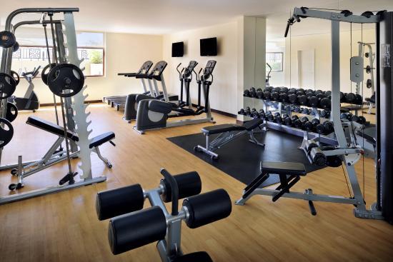 Movenpick Hotel Apartments Al Mamzar Dubai: Fitness Centre