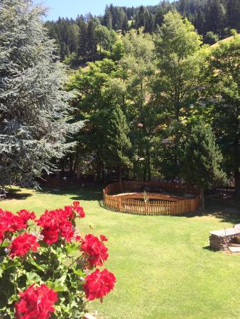 Olympia Sarnthein: il parco sul retro