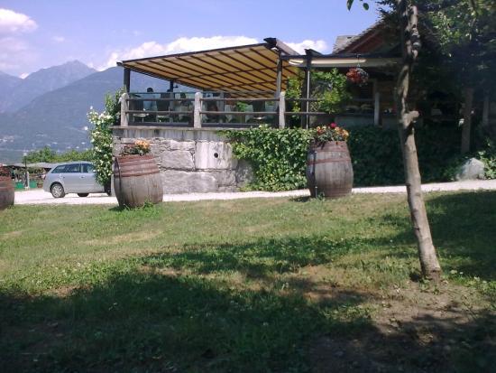 Giardino e terrazza ristorante - Picture of La Stella, Domodossola ...