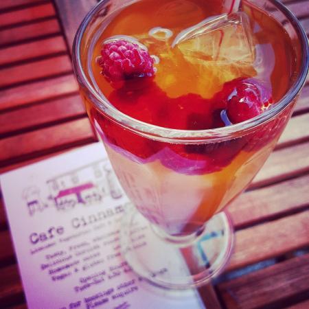 Cafe Cinnamon : Raspberry ice tea