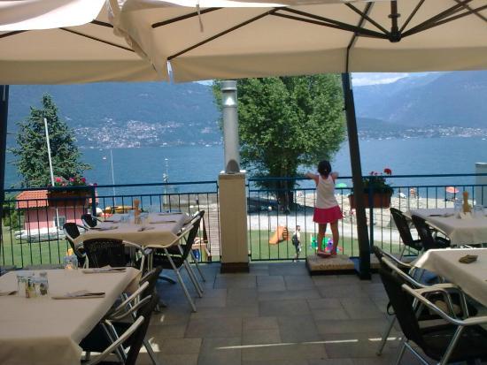 Pino Lago Maggiore, Italien: Terrazza