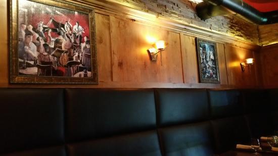 Lespri Prime Steak Sushi Bar: cool decor