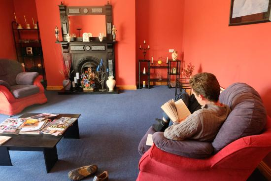 Ardilaun Guesthouse: The guest lounge room
