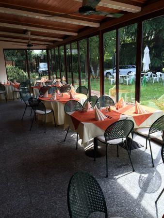 Garden Tennis Club Novate Milanese.La Veranda Foto Di Country Restaurant Garden Tennis