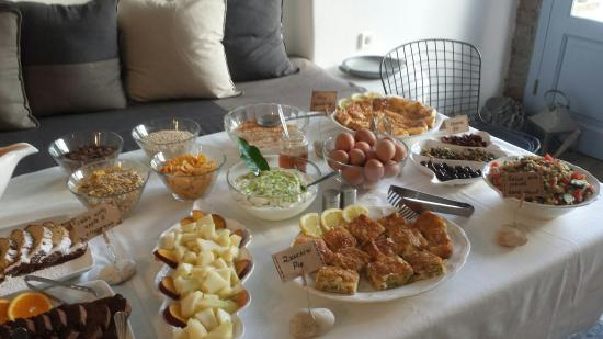 Onar Hotel and Suites : GREEK - TINIAN BREAKFAST ...