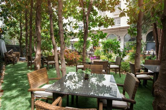 Zonas comunes nh c a jardin de recoletos madrid for Aparthotel jardin de recoletos madrid