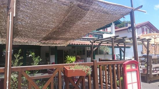 Jokolari : Lovely location, staff and pizzas