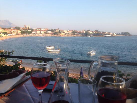 Stoupa Restaurant : Stunning view from our table...