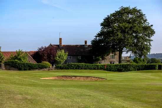‪Mendip Spring Golf & Country Club‬