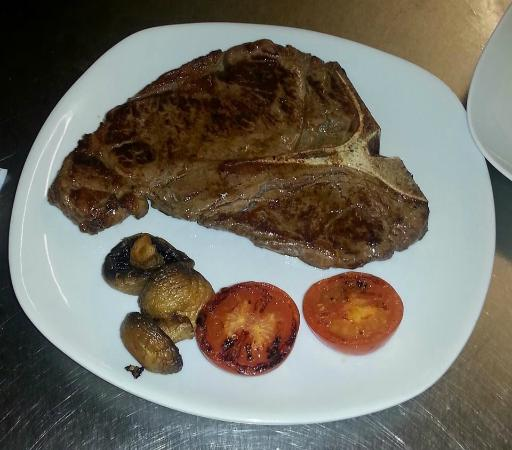 JK's Steakhouse: 16oz T-bone