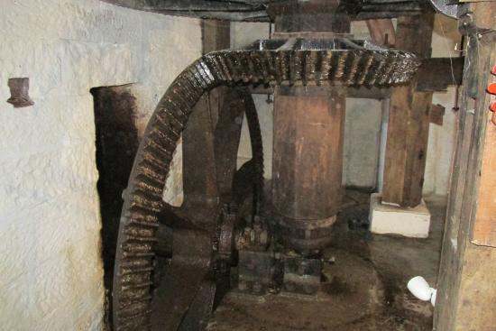 Bunbury Mill : Gears on driving mechanism