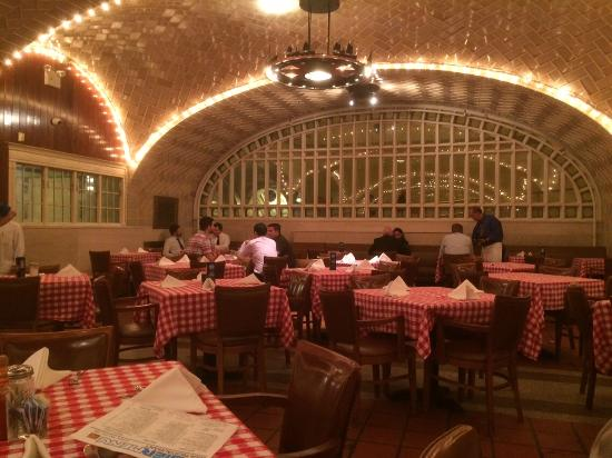 Sala picture of grand central oyster bar new york city for Sala new york