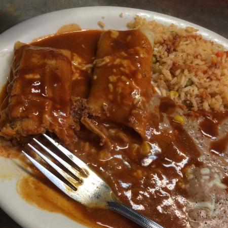 El Dos De Oros: Combination #8, Beef enchilada and tamale