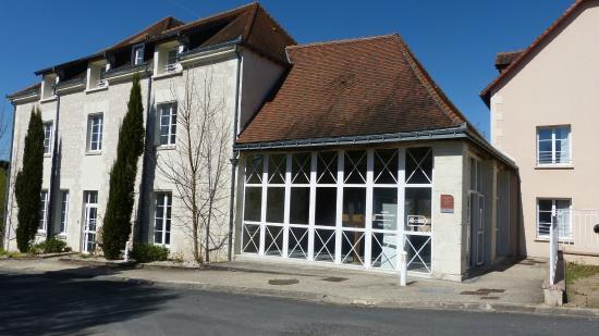 Appart'Hotel La Roche-Posay : Vue Exterieure