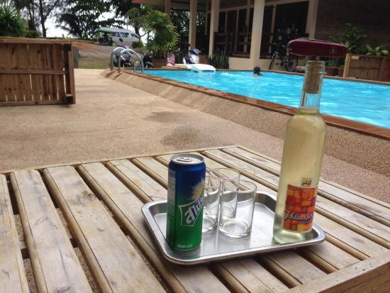 Chaya Resort: Apéro Time (avec notre vin)
