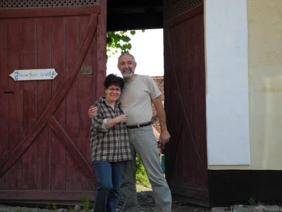 Crit, Romanya: Our hosts