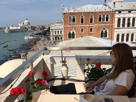 Restaurant Terrazza Danieli: Having breakfast al Terraza, Venice waiting for us