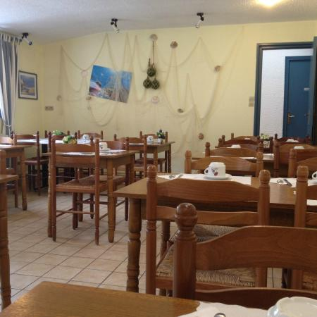Escal Hotel: Salle du petit déjeuner